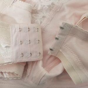 Queen Intimates & Sleepwear - New Bundle Of 2 Queen Wirefree Bras Size 40DDD